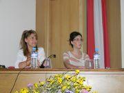 Η συντονίστρια του άτυπου Δικτύου Ελληνικών Βοτανικών Κήπων Κα Ε. Μαλούπα (αριστερά) με την Ειδική Σύμβουλο του Δημάρχου Καρπενησίου Κα Ε. Σοφρώνη (δεξιά)