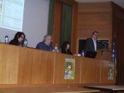 Ο Αν. Υπουργός κ. Φάμελλος στο βήμα. Διακρίνονται τα μέλη της Οργανωτικής Επιτροπής Δρ Ε.Δασκαλάκου (αριστ.), κ. Ζ.Πρωϊμάκης και Κα Αικ.Κούτλα
